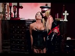 All woman Domina providing her sub woman a  boinking