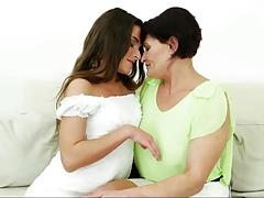 kiss me mom