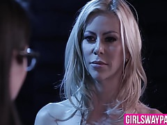 Sexy blonde Alexis Fawx eats Serena Blairs horny juicy pussy